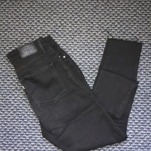 High rise Levi's with frayed hems